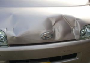 キズやヘコミなどの修理は「大野自動車販売」へお任せ!~板金塗装でできること~